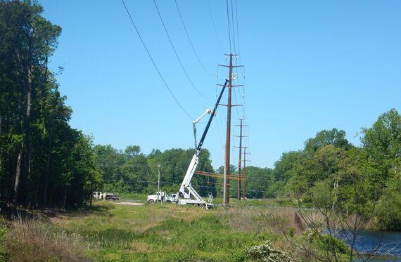 photo 4 transmission line installation